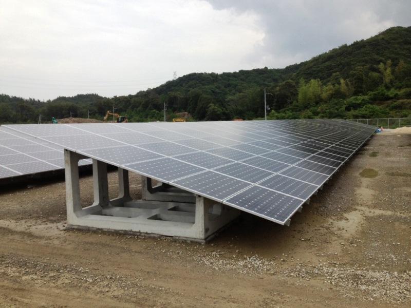 ソーラーキーパー地上設置用U型の施工例