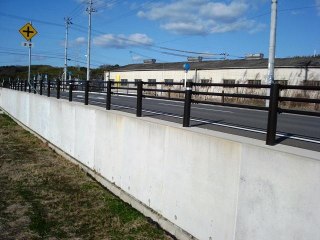 道路擁壁でのL型擁壁の施工例