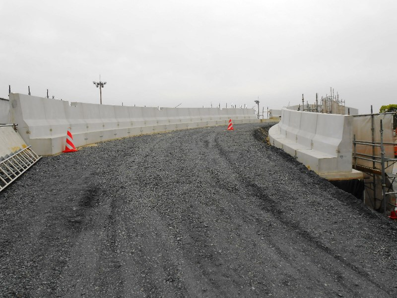 L型剛性防護柵の施工例