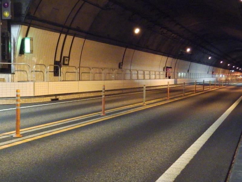 Ⅼ型監視員通路壁イージーパスの施工例