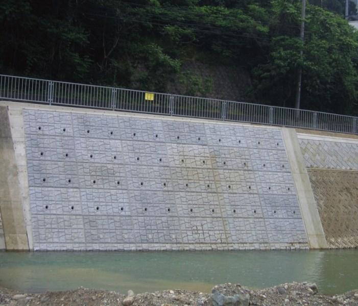 災害復旧における河川での施工例