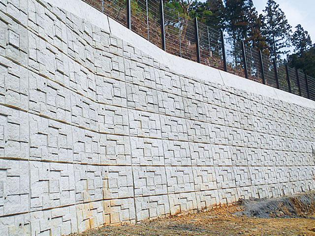 切土補強土壁工法の施工例