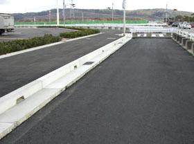 排水性舗装対応エプロンの施工例