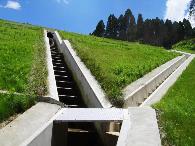 階段工水路の施工例