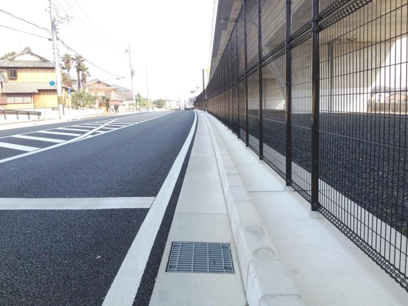 道路側溝でのL排の施工例