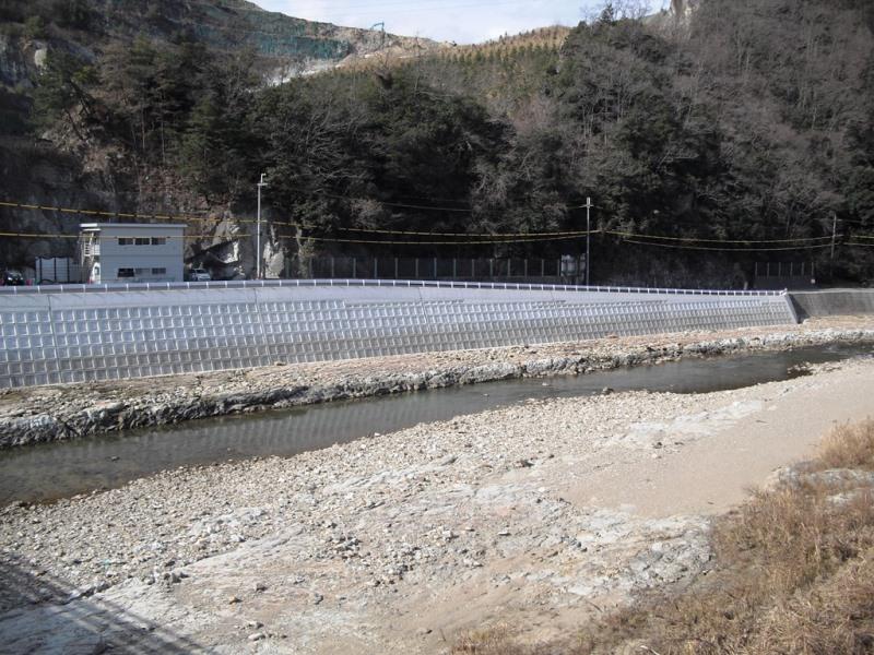 うらかたくん河川の施工例