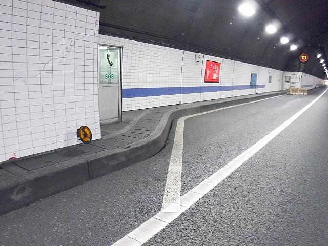 プレキャスト監視員通路の施工例